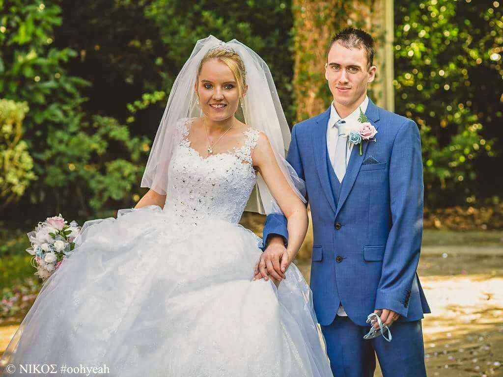 Rebecca and Lee Millard on their dream wedding day. (5503388)